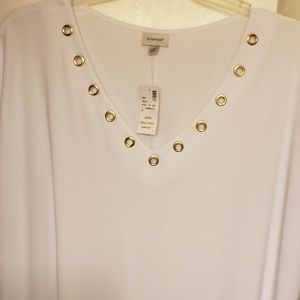 Brand new with tags size 22/24 blouse from Avenue.
